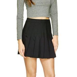 Aritzia Black pleated high waisted skirt